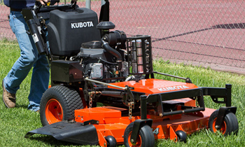 Kubota-WalkBehind-tmb.jpg
